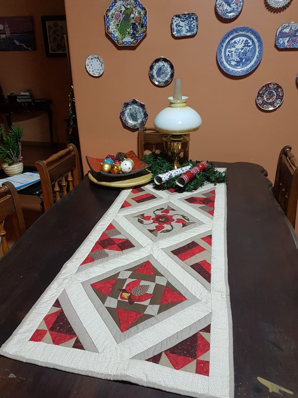 Table Runner made by Elsa Zontagh